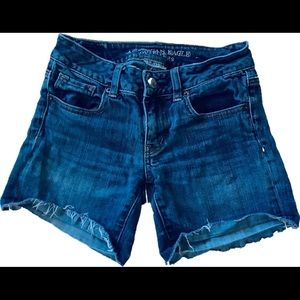 American Eagle MIDI Cut Off Jean Shorts Size 0